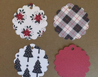 "20 - 2 1/2"" Scalloped Circle   Christmas Gift Tags  T8"