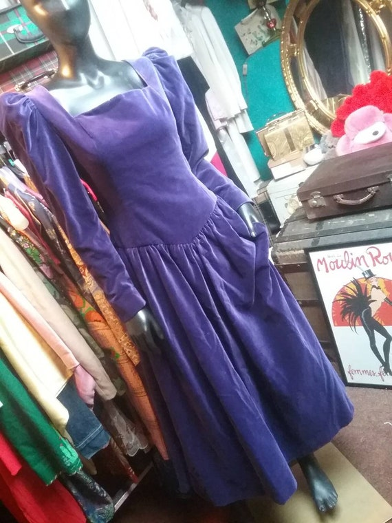 70s Gina Fratini RARE royal purple velvet dress