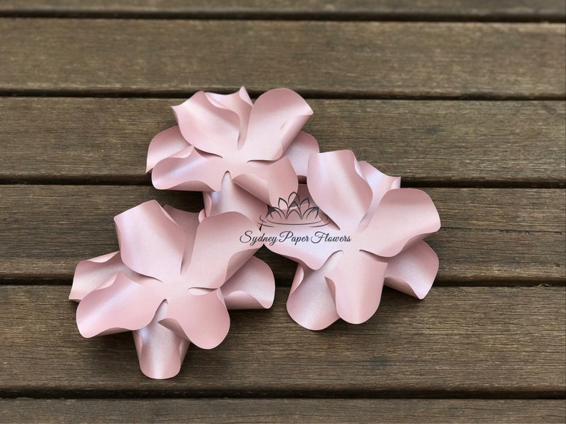Hydrangea Smooth Paper Flower Template Video Tutorial Svg Pdf Silhouette Cameo Cricut Paper Flower Paper Flower Pattern Paper Flower Wall