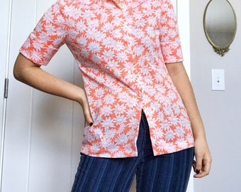 Vintage 70s Peach Colored Daisy Floral Shirt