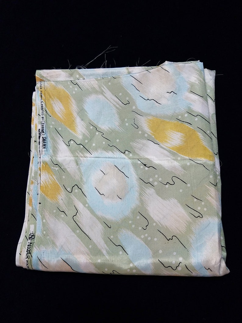 Silky crepe design chine blouse or lining weight fabric