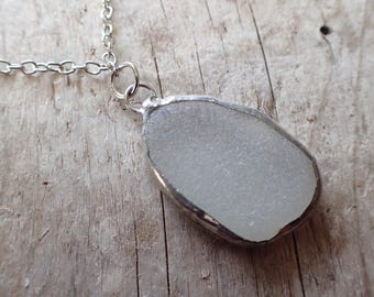 Wrapped white sea glass pendant / Chunky jewelry / Sea glass jewelry / Sea glass pendant / Sea glass necklace / White sea glass / Beachy