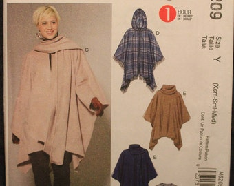 McCall/'s 7202 Misses/' Poncho and Belt   Sewing Pattern