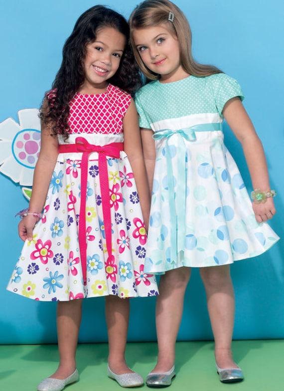 "2-8 McCalls M7588 PATTERN /& 18/"" Doll Dress Childrens//Girls Top,Dress,Shorts"