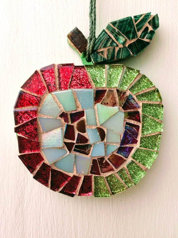 Handmade glass mosaic hanging red and green apple Unique gift idea Kitchen decor Gift for her Gift for him Wall art Wall Decor