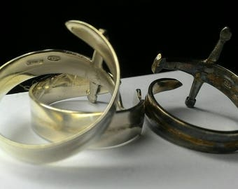 made to measure. Italy in bronze or silver Tuscany decoration of Florence Engraved tricuspid ring inspired Gothic style