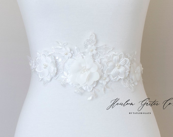 Floral Bridal Belt, Bridal Sash, Wedding Belt, Wedding Sash, Beaded Floral Dress Sash B111 WHITE