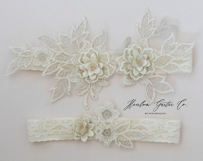 Floral Wedding Garter Set NO SLIP grip vintage rhinestones bridal garter, elegant wedding garter set IVORY C87ivory-C87ivory