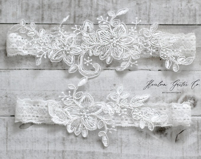 Lace Wedding Garter Set, NO SLIP grip bridal garters floral garter set WHITE D71-D71