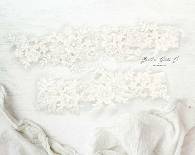 Wedding Garter set, ivory bridal garter, vintage floral lace bridal garter C82-C82
