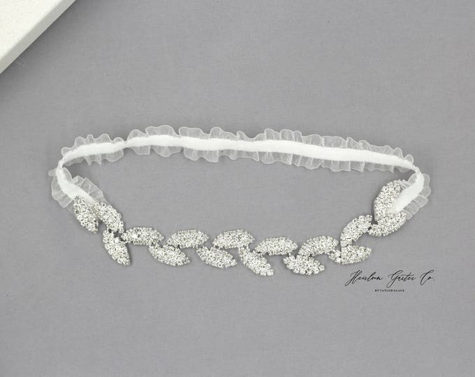 Dainty Wedding Garter, Elegant Wedding Garter, bridal garter FB11