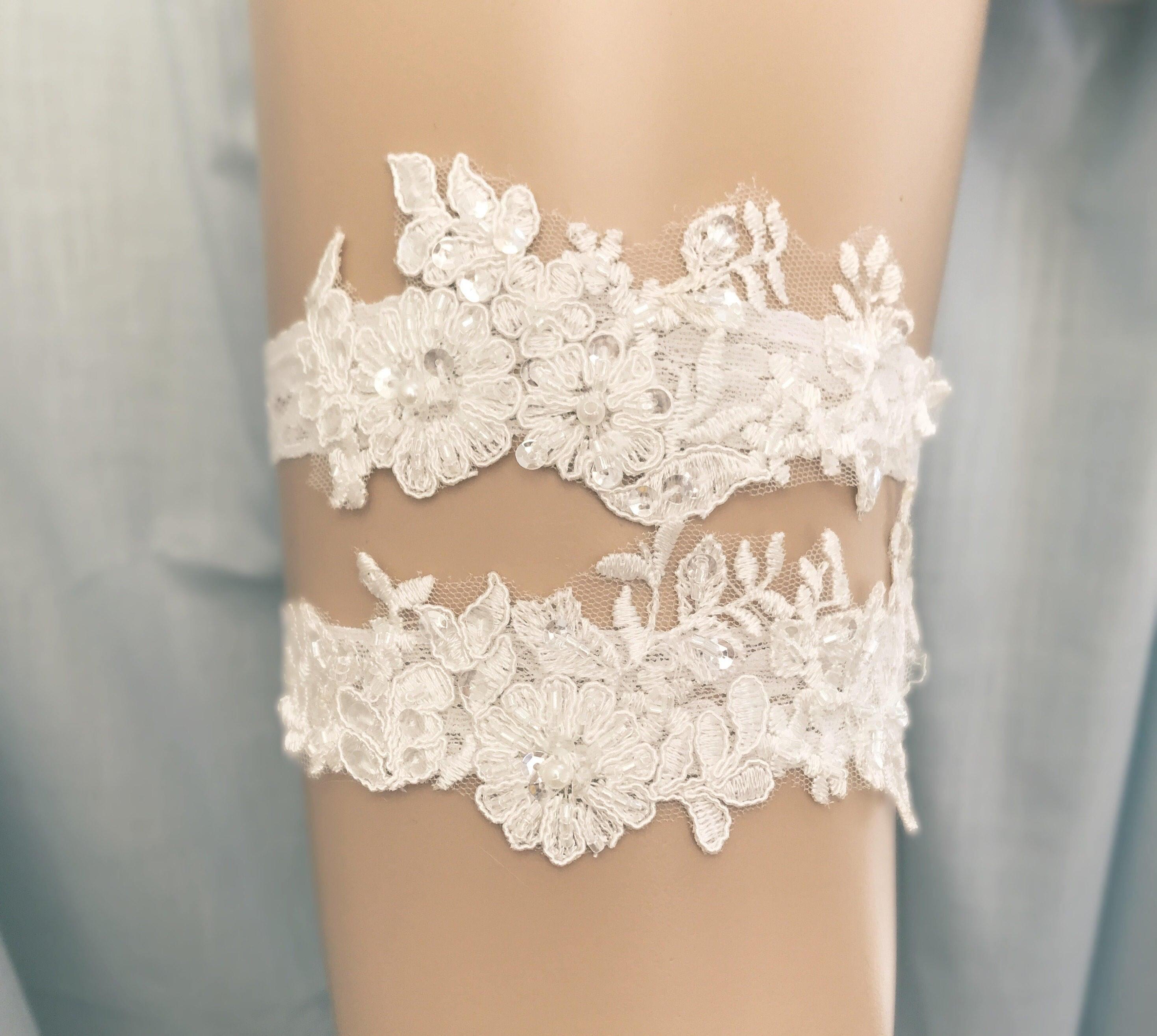 Vintage Lace Wedding Garter Set