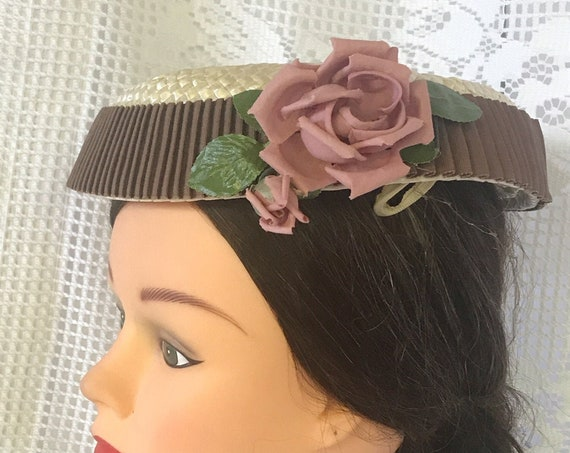 VTG mid-century  plate hat. cream and rippled chocolate brown reinforced straw plate hat with a dusty rose adornment  One size fits all !