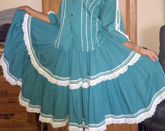 1948 ,SW Turquoise fiesta dress.2 piece skirt and top. Hand made in Santa Fe.Mexican,patio dress w/ White bric-a-brac trim  small waist