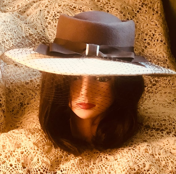 Vintage fedora,bolero, boater women's 1960s hat. Bollman, Epnie winter white, brown, stylish, sexy hat. Doeskin, wool,veil. Great condition!