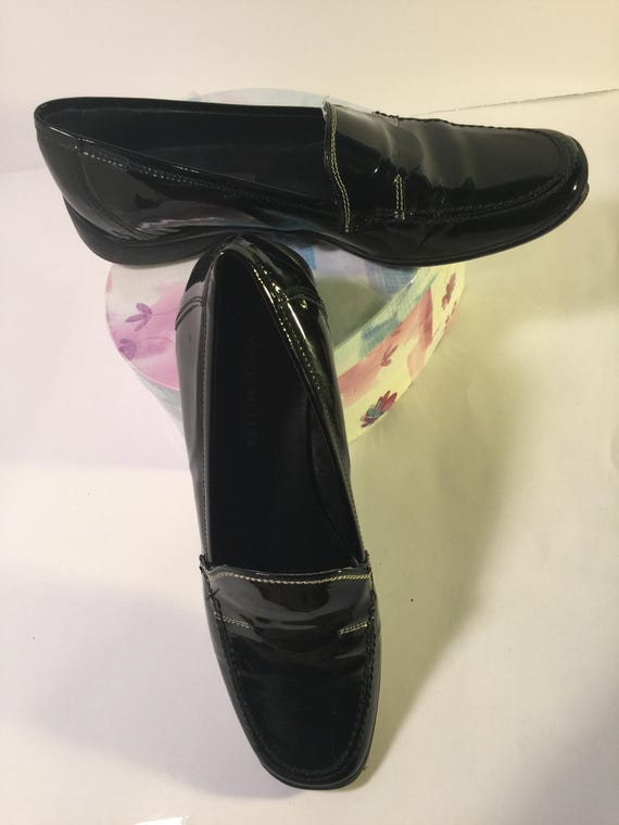Vtg Italian  black flat loafers .women's black Patent leather shoes. Sesto Meucci women's slip on loafers. beautiful condition! 6x med 50.00