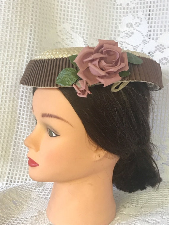 VTG mid-century  plate hat. cream and rippled choc