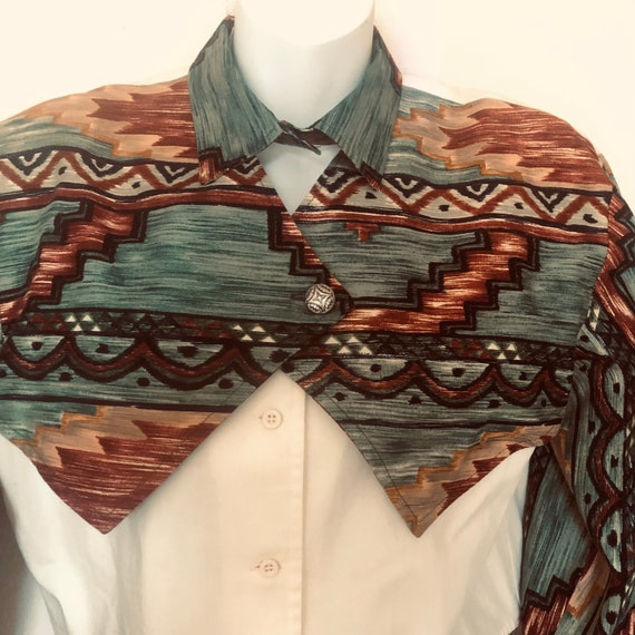 80s Roper wms. cowgirl western crop, 2 layered shirt, blouse.Aztec green pattern top layer,cream long sleeve front shirt underneath. Small