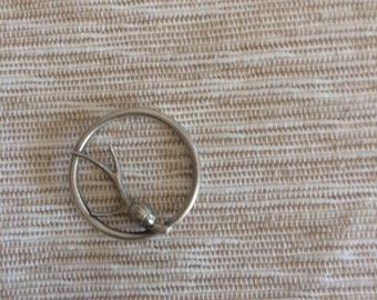 Sterling silver ladybug on branch in circle jewelry.Lost wax casting.34mm wide