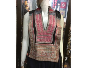 Vintage tribal Kotu handwoven long fabric In Quang Nam area central of Vietnam