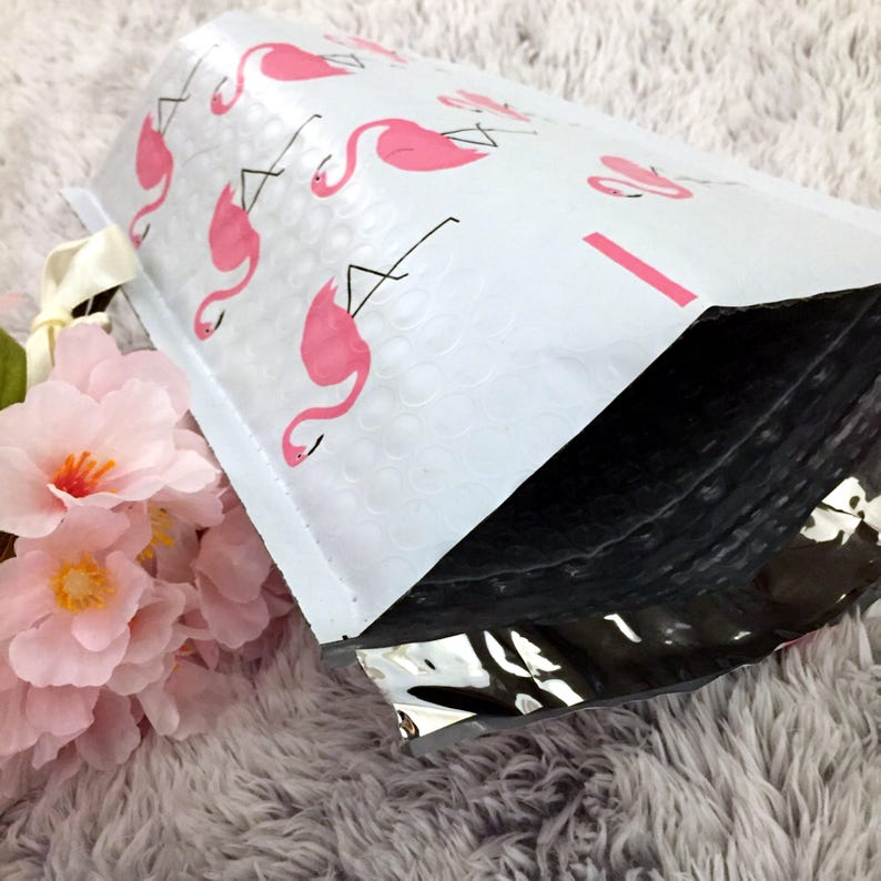 10 Pcs PINK FLAMINGO 6x9 Bubble Mailer Self Seal Adhesive Envelope Protective Color Padded Shipping Supply Mailer Plastic Lightweight Sturdy
