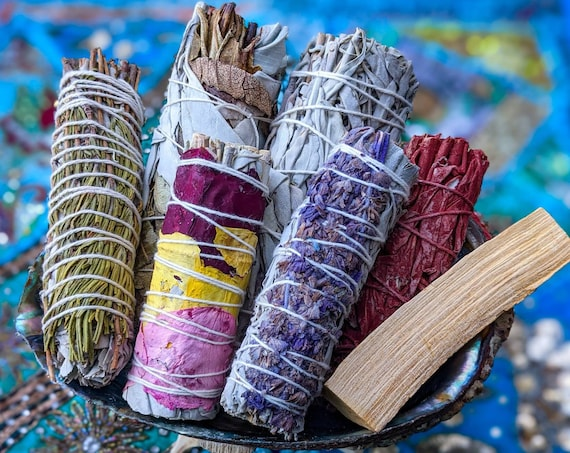 Smudge Sticks / SET of 7 Different Sage & Floral Bundles / Perfect For Meditation / Cleanse your Body, Mind, Spirit and Space
