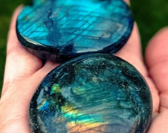 Large Polished Labradorite Palm Stone / High Quality / Flashy Rainbow Labradorite / Meditation Stone / Chakra Stone / Powerful Protection