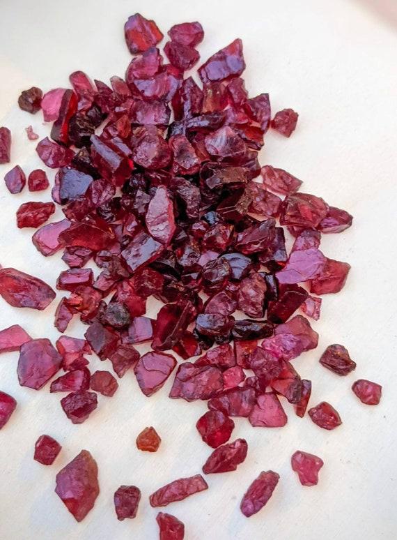Garnet / Bulk Crystals / Raw Garnet / Genuine Gemstones / Meditation Stones / Beautiful Specimens / For Jewelry Making & More!