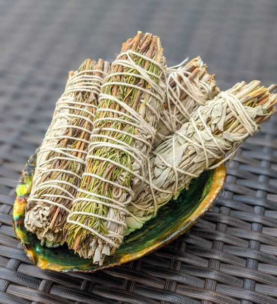 Organic White Sage & Rosemary Smudge Sticks / Remove Negativity Energy / Meditation / Rituals / Purifying / Spiritual / Cleansing / Calming