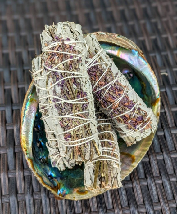 Organic White Sage & Lavender Smudge Sticks / Remove Negativity Energy / Meditation / Rituals / Purifying / Spiritual / Cleansing / Calming
