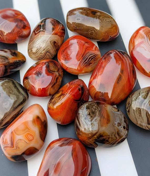 Polished Sardonyx Palm Stone / High Quality! / Chalcedony / Healing Crystal Energy / Chakra Crystal / Meditation Stone / Family Union Stone