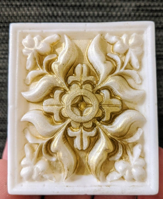 Victorian Style Soap / Beautiful! / Organic Oils /Phthalate Free / Gluten Free / Vegan / Soy Free / Choose Your Scent / Unscented Available