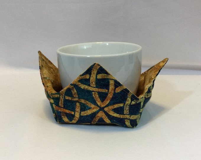 """Celtic Knots Microwave Bowl Cozy-Small; 4"""" Bottom Diameter; Coffee Cup Size; Small Bowl Size; Reversible - IPFG-000450"""
