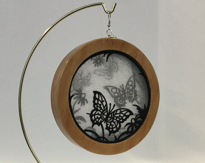 3-D Butterfly Garden Silhouette Ornament; 2019 Charm, Organza Art Ornament; Cherry Stained Wood - IPFG-000308