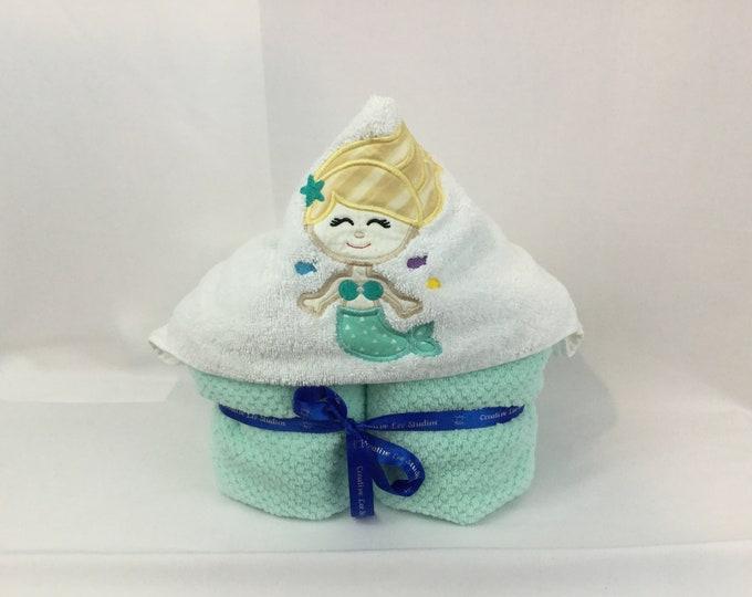 Mermaid Hooded Towel for Kids, Princess Towel, Applique Hooded Towel, Bath Wrap, Kid's Bath Wrap IPFG-000163