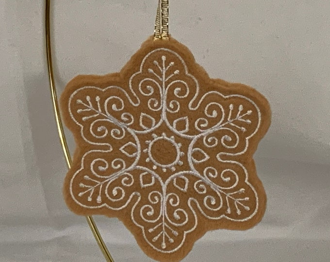 Snowflake Gingerbread Cookie Ornament; Snowflake Ornament; FREE SHIPPING; Felt Ornament; Teacher Gift - IPFG-000151