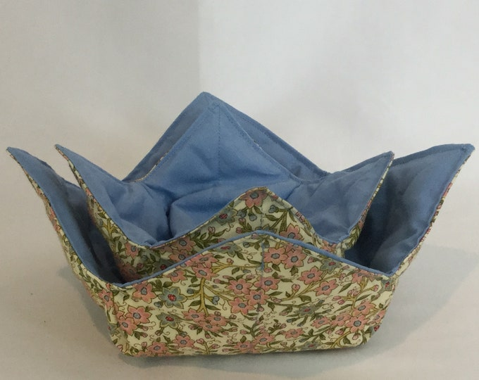 "SET-Lite Pink / Blue Flowers Microwave Bowl Cozies-Medium and Small / 6"" & 4"" Bottom Diameters; Salad Bowl and Coffee Mug Size IPFG-000205"