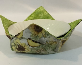 "Goldfinches & Sunflowers Microwave Bowl Cozy; Green Reversible, Medium - 6"" Diameter Bottom; Free Shipping - IPFG-000319"