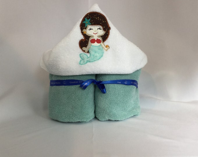 Mermaid Hooded Towel, Princess Hooded Towel, Brown Hair Mermaid, Kid's Bath Wrap, Bath Wrap, Mermaid IPFG-000210