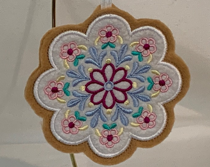 Flower Bouquet Cookie Ornament, Christmas Ornaments, Teacher Gift; Embroidered Ornament, FREE SHIPPING; Icing cookie - IPFG-000277