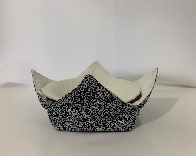 "Black and White Paisley Microwave Bowl Cozy-Medium-6""; Salad Bowl Size, Leftover Bowl Pad; Hot Bowl Pad; Wrap & Zap; Reversible-IPFG-000461"