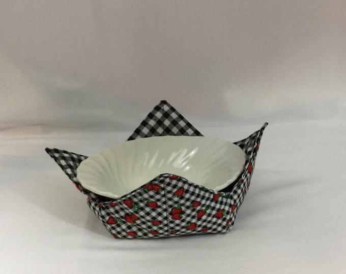 "Strawberry Weave Microwave Bowl Cozy; Medium 6"", Salad Bowl Size, Reversible, Free Shipping, Hot Bowl Pad-IPFG-000362"
