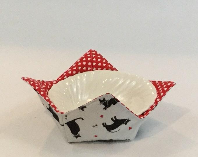 "Black Cats & Plenty of Hearts Microwave Bowl Cozy-Medium-6"" Bottom Diameter; Leftover Bowl Pad; Cat Hot Bowl Pad; Reversible-IPFG-000126"
