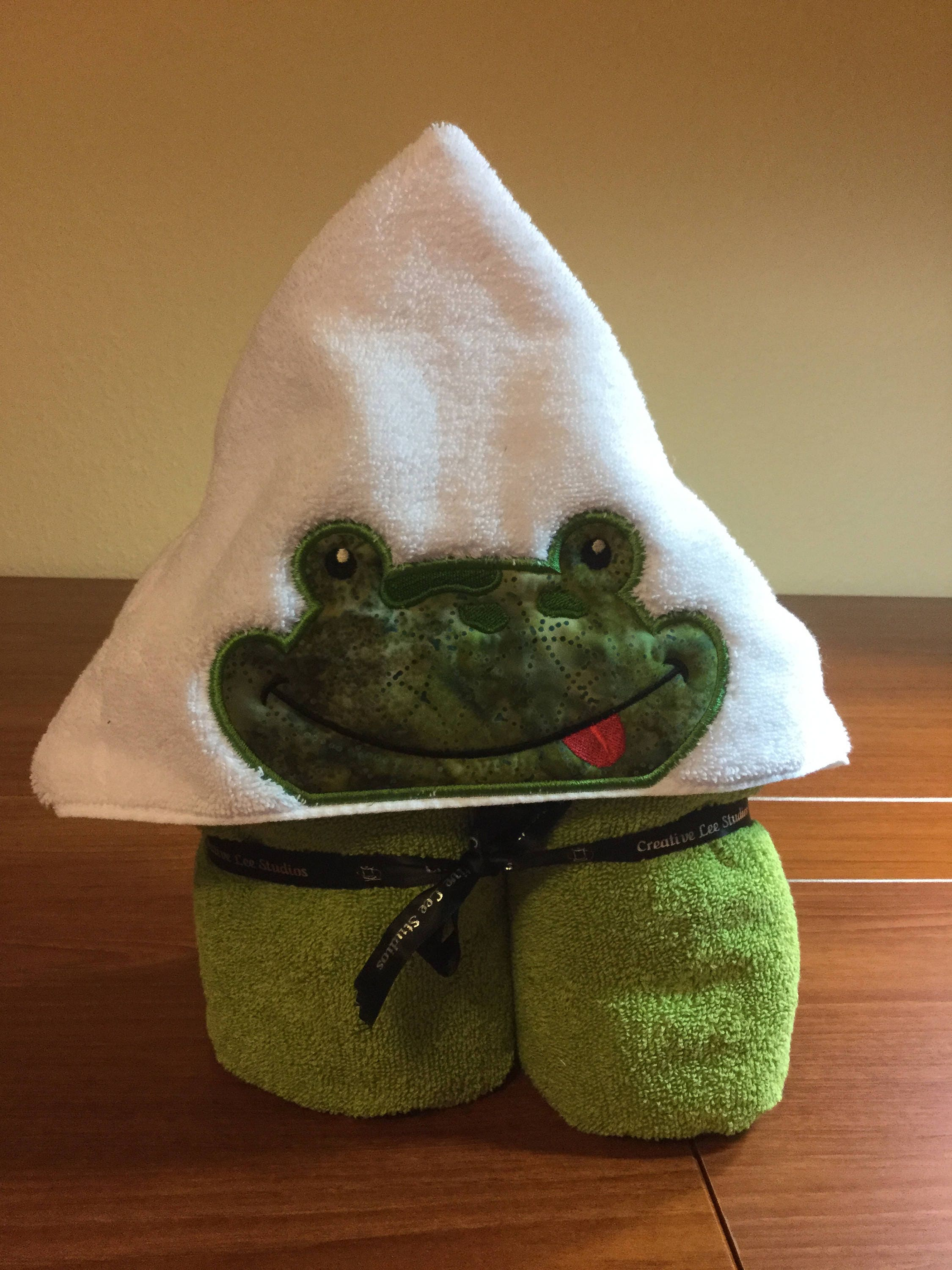 Hooded Towel - Frog Applique w/Plush Green Towel approximately 28 x ...