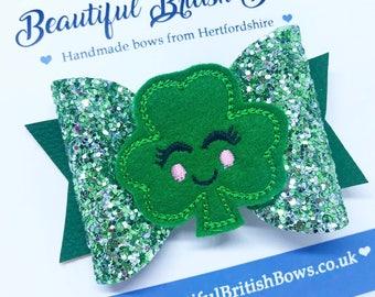 Shamrock hair bow, St Patrick's Day, glitter, girl, headband, felt, feltie