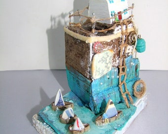 White House. A driftwood harbour scene