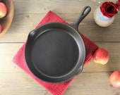 Wagner Ware Sidney Cast Iron Skillet, Vintage Number 8 frying pan, 10 inch cast iron cookware restored cleaned and seasoned