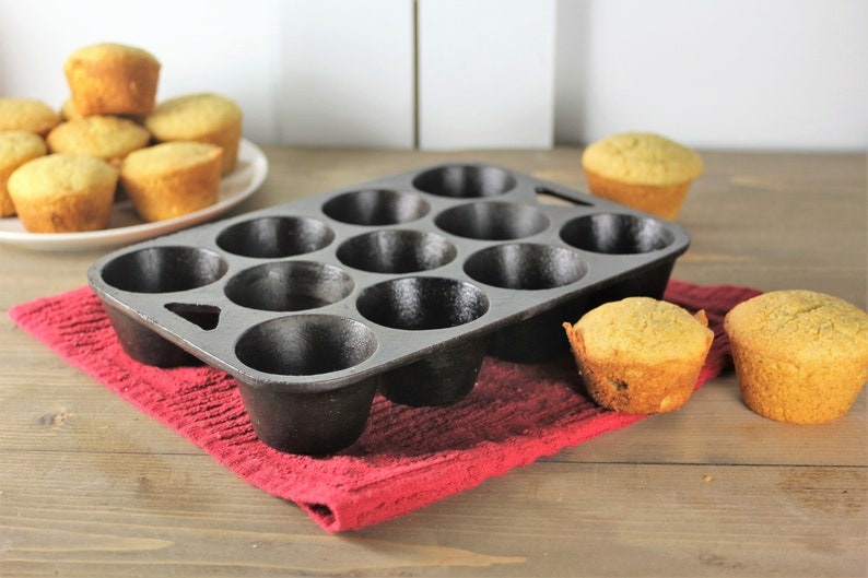 Cast Iron Muffin Pan Vintage Pop Over Pan Pan Cleaned and Seasoned collectible Gift for chef Antique Cast Iron Cupcake pan