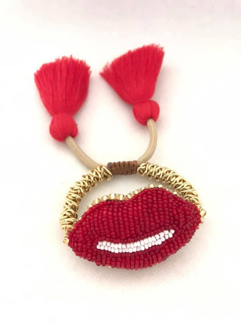 summer-gift idea-accessories-pantallas-zarcillos tassel red earring Earring lips big earring-lips-red and white-handmade-beads-valentines