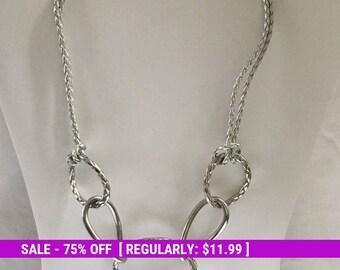 Vintage Silver Tone Metal Loop Necklace